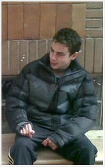 Miguel Vaquero Martínez,  fallecido trágica y prematuramente el 29 de diciembre de 2009 en Zaragoza, a la edad de 17 años, ante la pasividad y atonía moral de quienes debieron haberlo protegido.