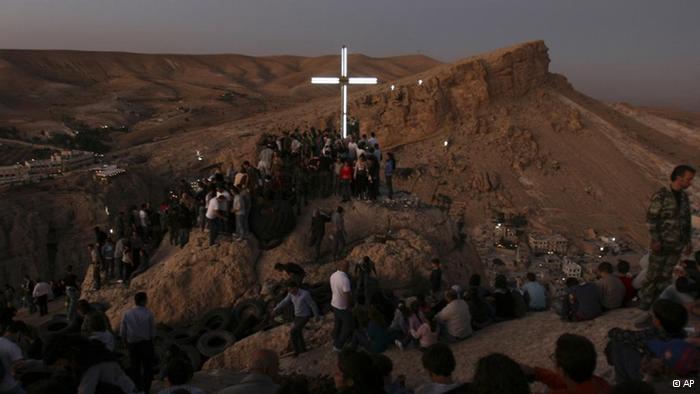 La indiferencia de los políticos españoles ante la extinción violenta de los cristianos árabes